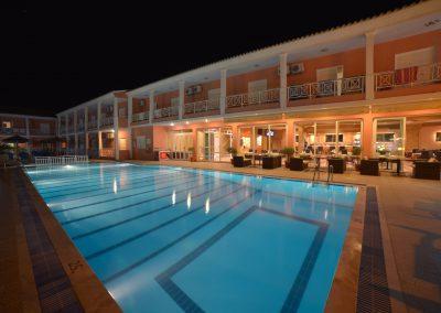 Angelina Hotel - Sidari - Corfu - pool area at night